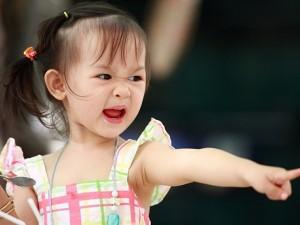 Vì sao trẻ lên 2 lại vô cùng khó bảo? Nghe chuyên gia chỉ cách để đối mặt với giai đoạn này của con